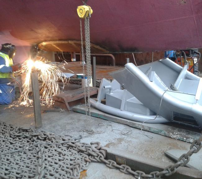 monteren nieuw blisterhuis voor survey apparatuur