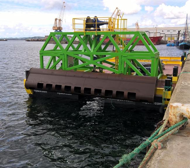Crane assembly catamaran